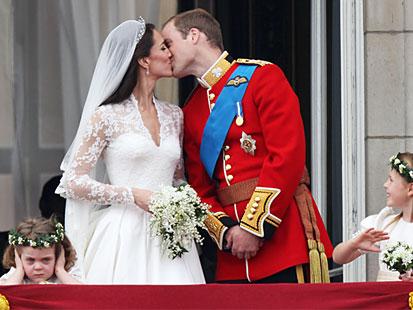 middleton royal balcony kiss bridesmaid angry